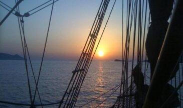 Ios Sunset Sailing Cruise